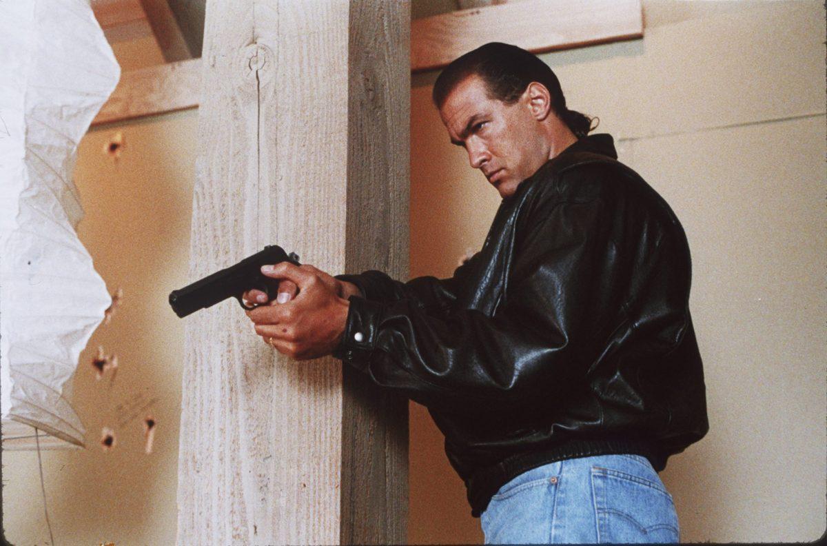 Steven Seagal spelade nästan roll i 'Predator 2'; Här är den galna historien!